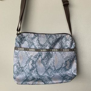 NWOT Lesportsac shoulder crossbody nylon bag